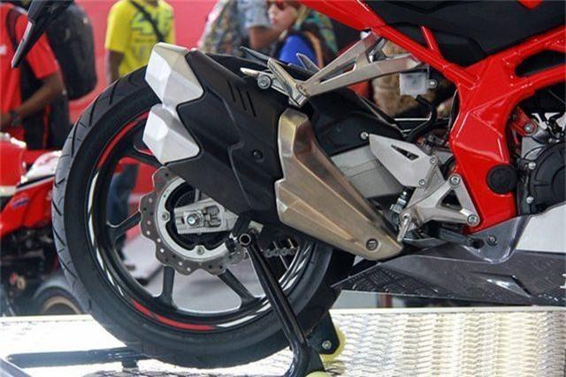 Honda CBR250RR 2.jpg