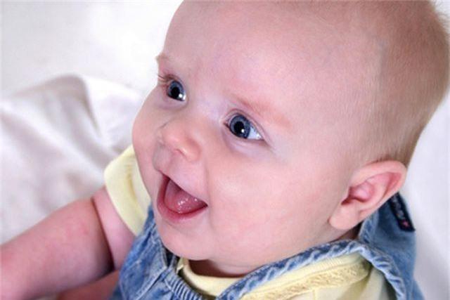 Chớ nên coi thường khi bé có quầng thâm mắt - 1