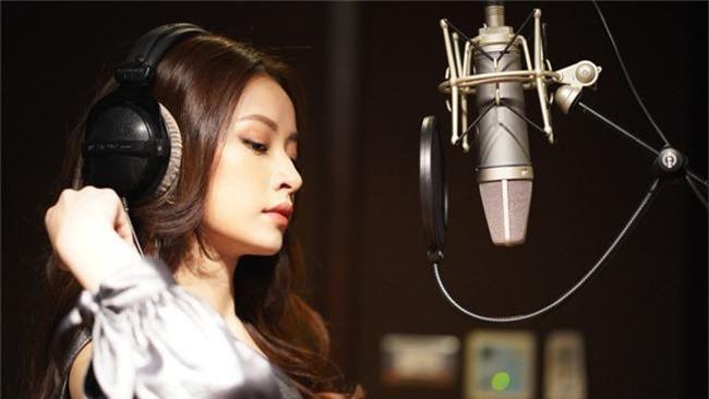 Sau màn khoe giọng trong Friend Zone, Chi Pu lập tức tung MV nhạc phim phiên bản tiếng Việt - Ảnh 5.