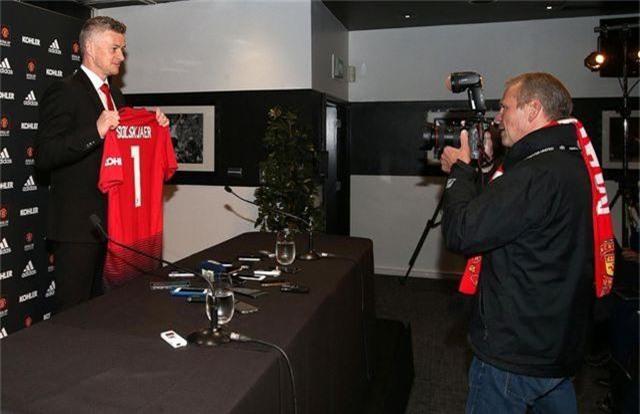Solskjaer muốn cùng Man Utd vô địch Premier League - 13