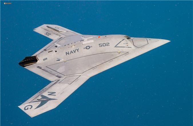 Vi sao cac cuong quoc dua nhau phat trien UAV tren tau san bay?
