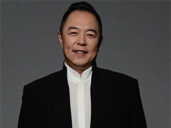 Hoàng a mã Trương Thiết Lâm: Đào hoa từ trong phim ra ngoài đời và những scandal ồn ào khiến công chúng ngán ngẩm - Ảnh 4.
