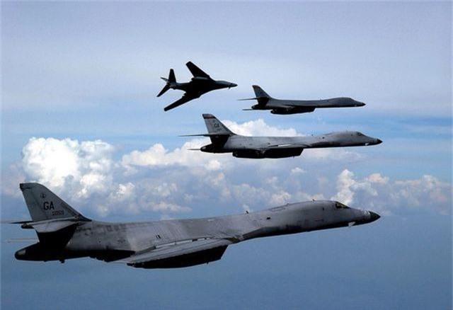 Mỹ ngừng hoạt động toàn bộ pháo đài bay B-1 trong 1 năm - 1