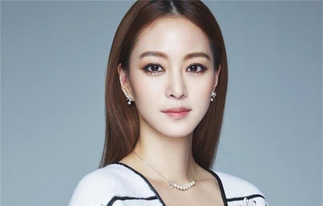 Phim 19+ lên sóng truyền hình Hàn Quốc thẳng thừng phê phán bê bối mại dâm tương tự vụ Seungri - Ảnh 1.