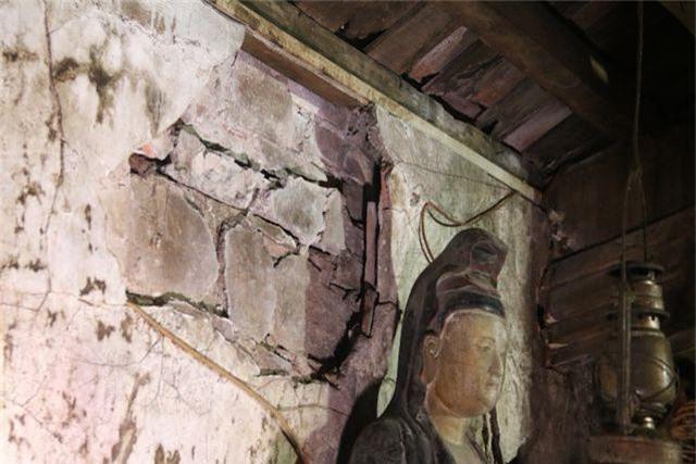 Cám cảnh ngôi chùa 300 tuổi dột nát, tượng nứt vỡ ở Hà Nội - 6