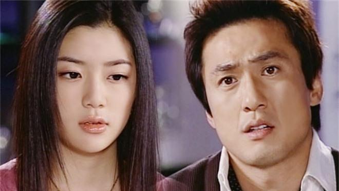 Điểm chung khó tin giữa hai mỹ nhân dao kéo vượt mặt Park Min Young: Có số cặp đại gia, cùng thẩm mỹ bộ phận này - Ảnh 6.