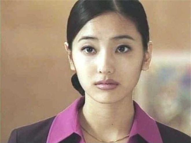 Điểm chung khó tin giữa hai mỹ nhân dao kéo vượt mặt Park Min Young: Có số cặp đại gia, cùng thẩm mỹ bộ phận này - Ảnh 8.