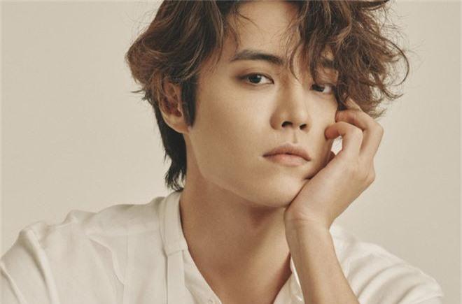 Sốc lại thêm sốc: Lộ thêm 1 nghệ sĩ không ai ngờ tới là thành viên trong nhóm chat tình dục của Jung Joon Young - Ảnh 1.