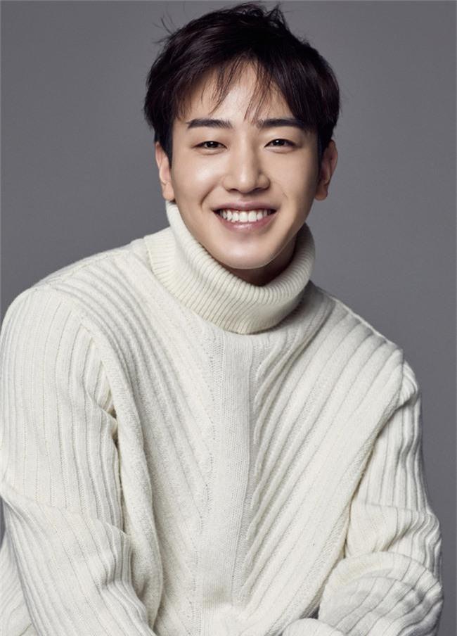 Rút khỏi phim mới, bạn trai Park Shin Hye bị dân mạng đồn đoán có dính dáng tới scandal clip sex của Jung Joon Young - Ảnh 3.