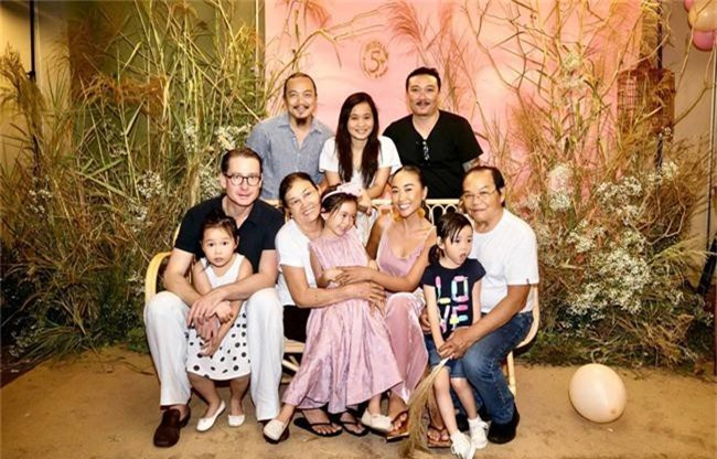 Con gái Đoan Trang xinh như thiên thần trong tiệc sinh nhật lộng lẫy mừng 5 tuổi - Ảnh 13.