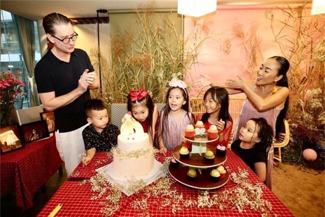 Con gái Đoan Trang xinh như thiên thần trong tiệc sinh nhật lộng lẫy mừng 5 tuổi - Ảnh 18.