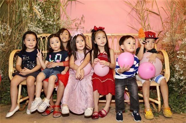 Con gái Đoan Trang xinh như thiên thần trong tiệc sinh nhật lộng lẫy mừng 5 tuổi - Ảnh 19.