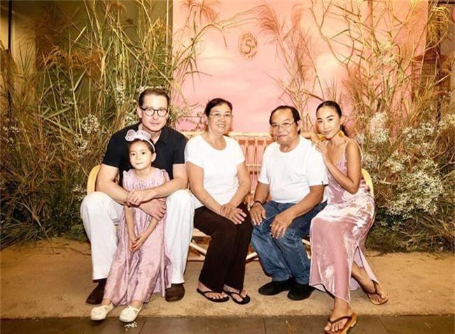 Con gái Đoan Trang xinh như thiên thần trong tiệc sinh nhật lộng lẫy mừng 5 tuổi - Ảnh 20.