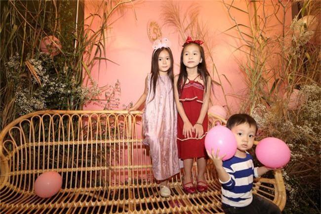 Con gái Đoan Trang xinh như thiên thần trong tiệc sinh nhật lộng lẫy mừng 5 tuổi - Ảnh 24.