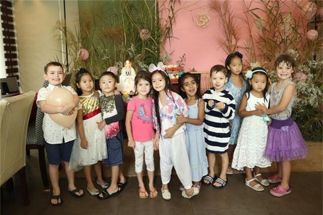 Con gái Đoan Trang xinh như thiên thần trong tiệc sinh nhật lộng lẫy mừng 5 tuổi - Ảnh 4.