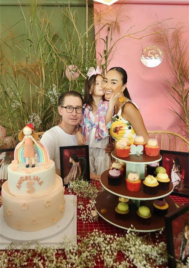 Con gái Đoan Trang xinh như thiên thần trong tiệc sinh nhật lộng lẫy mừng 5 tuổi - Ảnh 7.