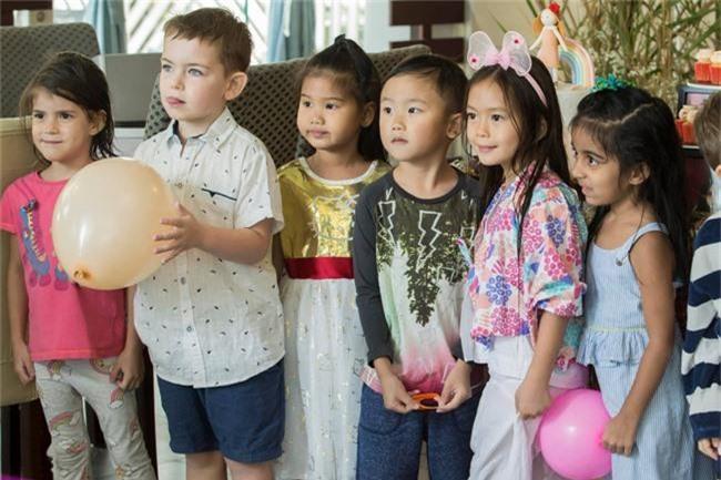 Con gái Đoan Trang xinh như thiên thần trong tiệc sinh nhật lộng lẫy mừng 5 tuổi - Ảnh 8.