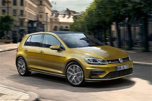 3. Volkswagen Golf (doanh số: 17.412 chiếc).