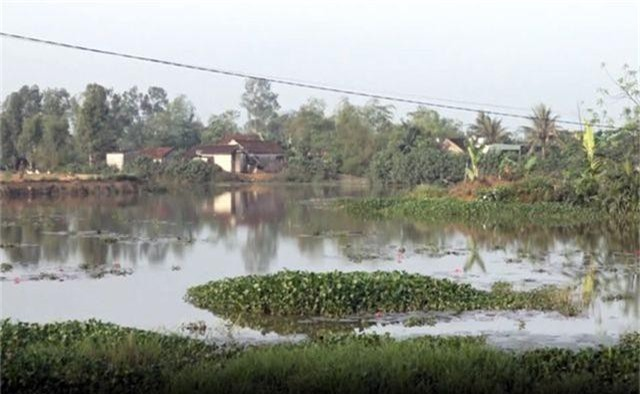 Sông thoát lũ bị bức tử, người dân hạ nguồn bức xúc - 3