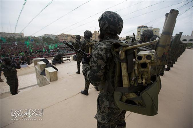 "Soi loat vu khi nguy hiem nhat Hamas khien Israel ""lanh gay"""