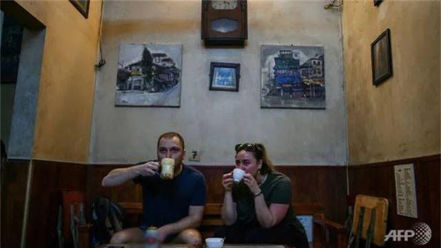 Tiệm café trứng nổi tiếng Việt Nam lên báo nước ngoài - 1