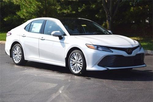 8. Toyota Camry (doanh số: 81.684 chiếc).