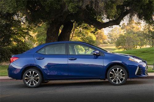9. Toyota Corolla (doanh số: 78.608 chiếc).