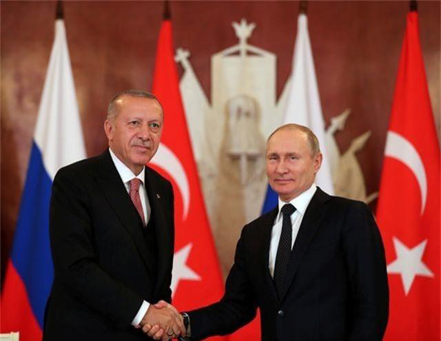 """Ông Putin cam kết chuyển S-400 cho Thổ Nhĩ Kỳ bất chấp """"tối hậu thư"""" của Mỹ - 1"""