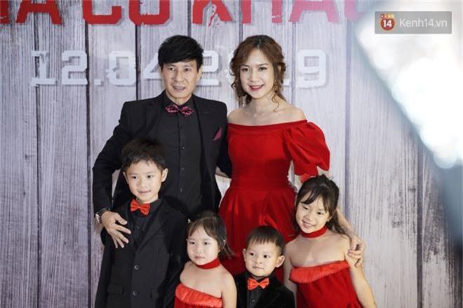 Đầy đủ hộ khẩu nhà Lý Hải - Minh Hà chia phe đen - đỏ đến buổi ra mắt phim Lật Mặt: Ba Chàng Khuyết - Ảnh 1.
