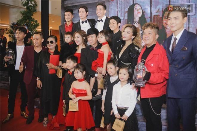 Đầy đủ hộ khẩu nhà Lý Hải - Minh Hà chia phe đen - đỏ đến buổi ra mắt phim Lật Mặt: Ba Chàng Khuyết - Ảnh 3.