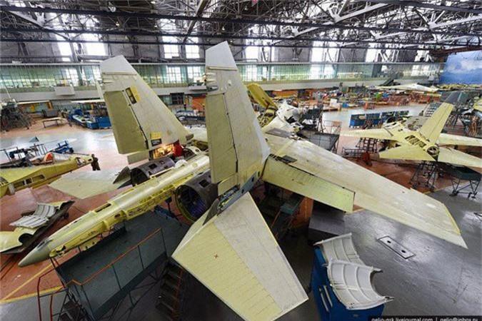 Tung quan may bay, Nga loi 5 chiec Su-30 doi dau ra dung not!-Hinh-5