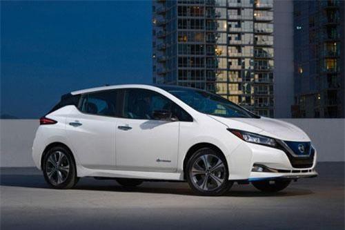 2. Nissan Leaf 2019 (giá khởi điểm: 29.990 USD).