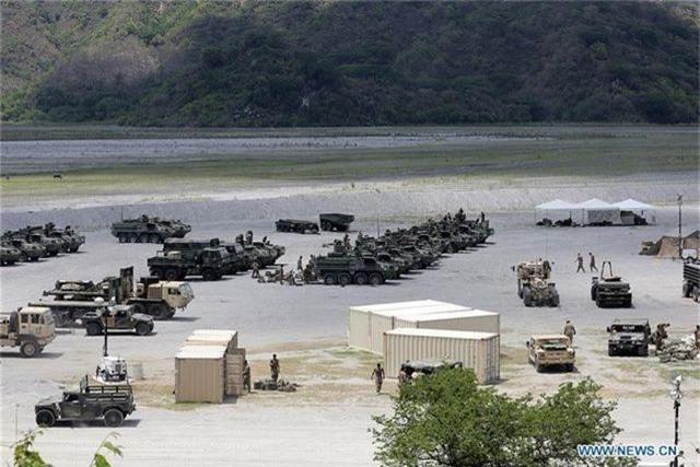 Khí tài quân sự Mỹ - Philippines phô diễn sức mạnh trong tập trận lớn nhất năm - 1