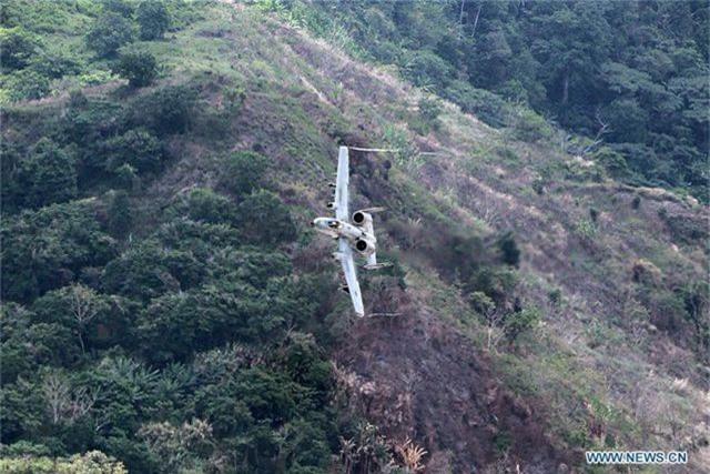 Khí tài quân sự Mỹ - Philippines phô diễn sức mạnh trong tập trận lớn nhất năm - 5