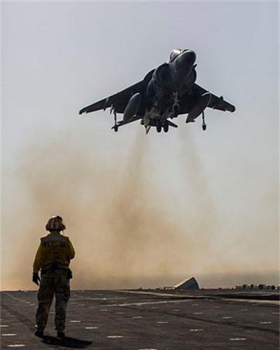 """Lo bang chung ro rang Hai quan My """"ngan den tan co"""" F-35B-Hinh-7"""