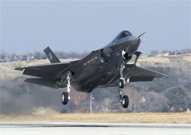 """Vì sao Mỹ không ngừng chương trình máy bay chiến đấu F-35 đắt đỏ, nhiều """"tai tiếng""""? - 1"""