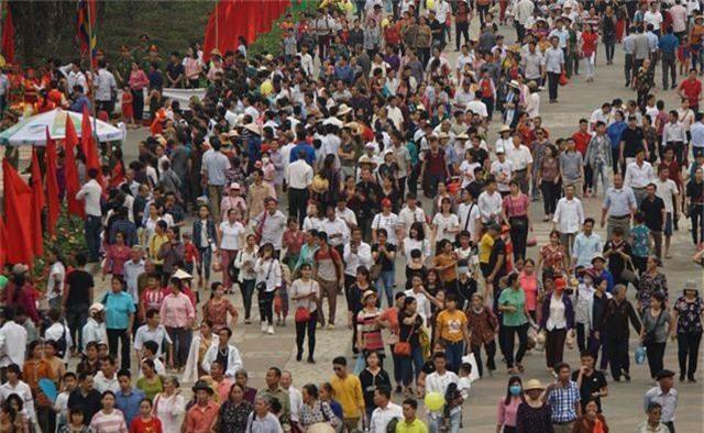 Hàng triệu lượt người đã đổ về Đền Hùng bái Tổ - 3
