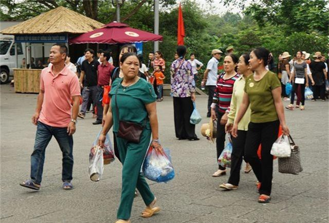 Hàng triệu lượt người đã đổ về Đền Hùng bái Tổ - 4