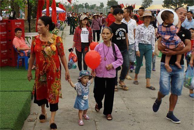 Hàng triệu lượt người đã đổ về Đền Hùng bái Tổ - 7