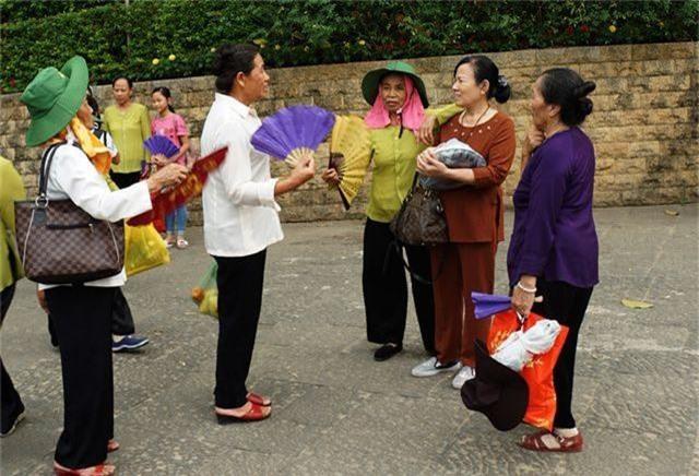 Hàng triệu lượt người đã đổ về Đền Hùng bái Tổ - 8