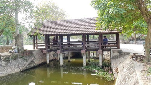 """Cầu ngói trăm năm tuổi được xem như """"báu vật"""" ở Ninh Bình - 1"""