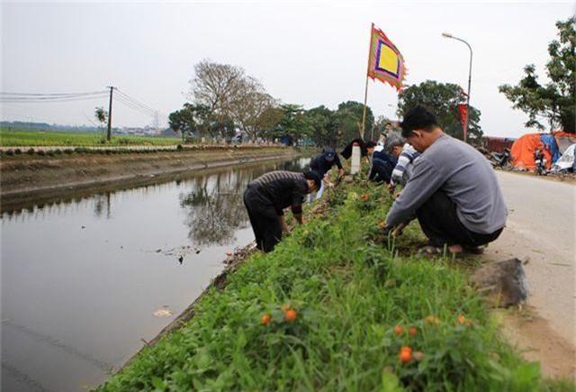 Kênh ngập rác thải biến thành đường hoa ở Hà Nội - 10