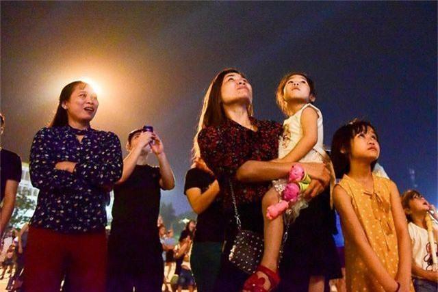 Hàng vạn người mãn nhãn với màn pháo hoa trong đêm khai hội Đền Hùng 2019 - 8