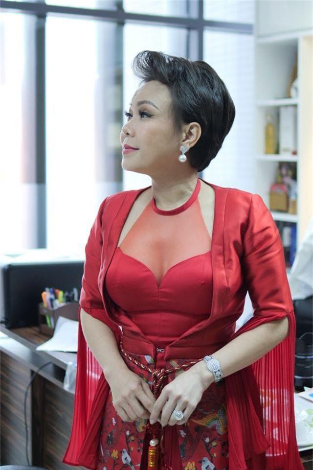 Việt Hương, Hoa hậu Ngọc Hân bật khóc vì chàng thạc sĩ chạy xe ôm bị dè bỉu - 1