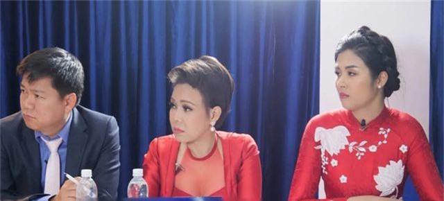 Việt Hương, Hoa hậu Ngọc Hân bật khóc vì chàng thạc sĩ chạy xe ôm bị dè bỉu - 4