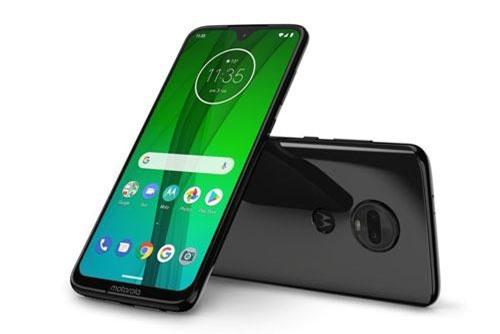 'Trái tim' của Motorola Moto G7 Plus là vi xử lý Qualcomm Snapdragon 636 lõi 8 với xung nhịp 1,8 GHz, GPU Adreno 509. RAM 4 GB/ROM 64 GB, có khay cắm thẻ microSD chuyên dụng với dung lượng tối đa 512 GB. Hệ điều hành Android 9.0 Pie.