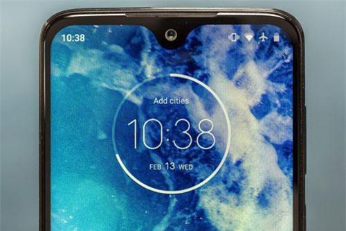 Máy ảnh selfie 12 MP cho khả năng ghi hình 4K.