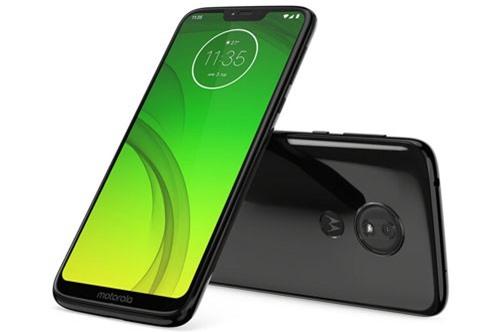 Sức mạnh phần cứng của Motorola Moto G7 Power đến từ chip Qualcomm Snapdragon 632 lõi 8 với xung nhịp 1,8 GHz, GPU Adreno 506. RAM 3 GB/ROM 32 GB hoặc RAM 4 GB/ROM 64 GB, có khay cắm thẻ microSD chuyên dụng với dung lượng tối đa 512 GB. Hệ điều hành Android 9.0 Pie.