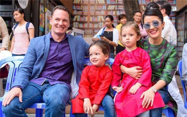 Cuộc sống sau ly hôn của ca sĩ Hồng Nhung: Lạc quan, tự tìm niềm vui cho mình nhưng đáng ngưỡng mộ nhất là điều này - Ảnh 1.