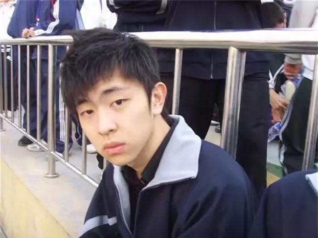 Những bức hình thời đi học của Húc Phượng Đặng Luân gây sốt trên mạng - Ảnh 9.